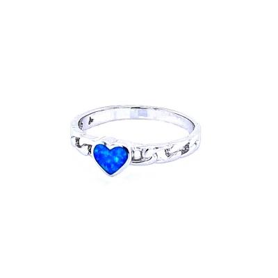 Pierścionek serce nebieski opal