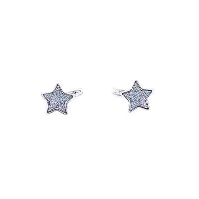 Kolczyki gwiazdki.