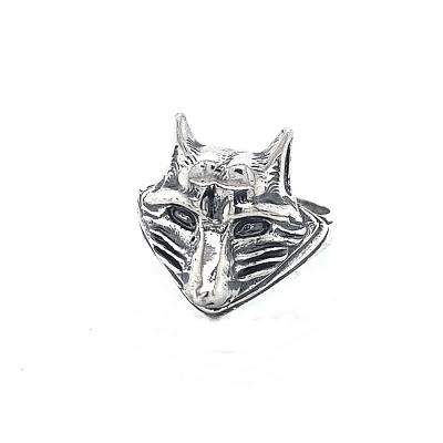 Pierścionek z głową wilka